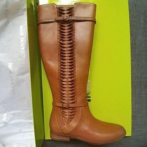 🆕 Gianni Bini size  7.5  wide calf riding boots